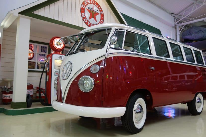 Restoration - T1 Bus Samba Deluxe Sunroof - Brazil 1975 - Ref. S003